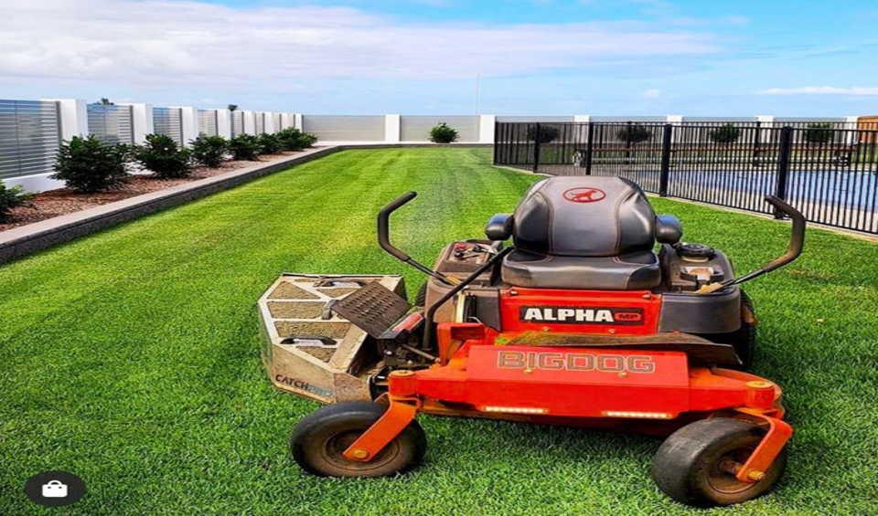 Universal grass catcher for zero turn mowers