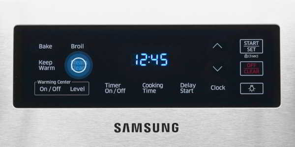 How does the steam clean work on a Samsung oven?